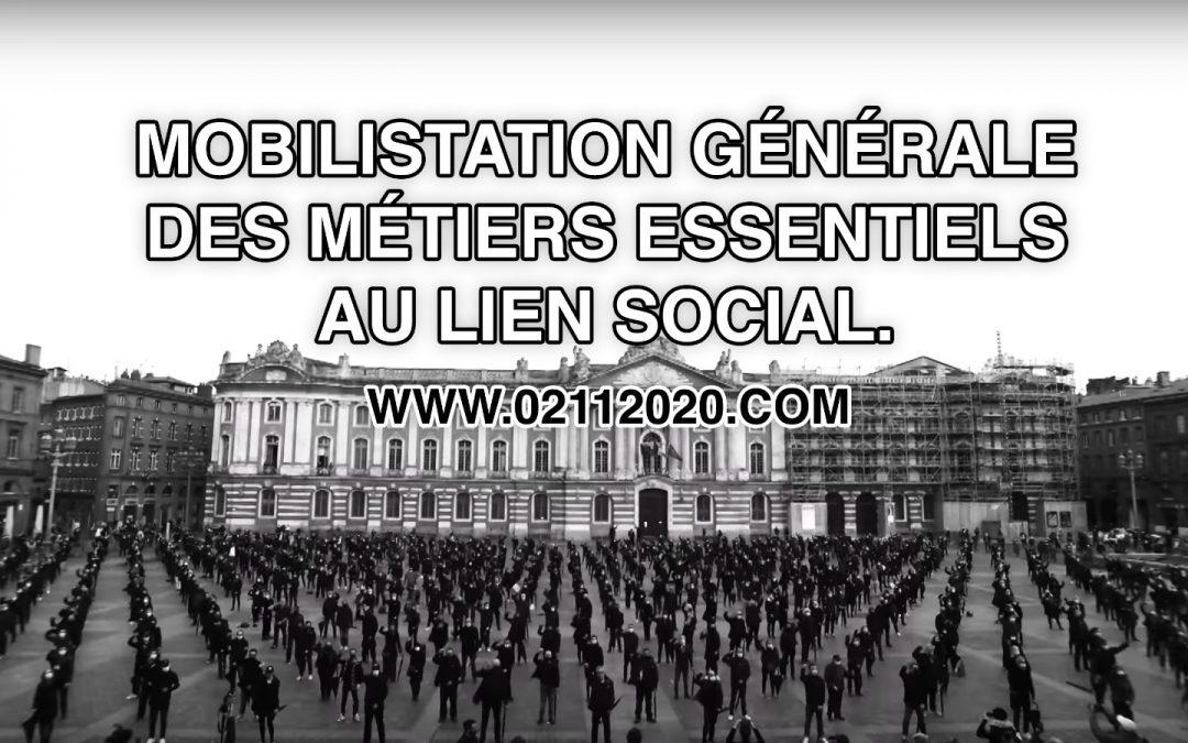 """Un grand merci aux 1000 non """"essentiels mobilisés"""" Place du Capitole à Toulouse"""